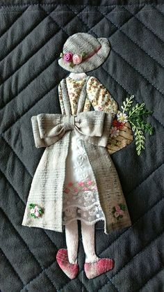 INSPIRING APPLICATIONS Even ... | Interesting content in the German Fabrics plus group Hand Applique, Wool Applique, Applique Patterns, Applique Quilts, Embroidery Applique, Quilt Patterns, Embroidery Designs, Quilting Designs, Quilt Baby