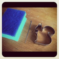 cookie cutter felting | tutorial | may be used for mittens, pullovers, customized stuff