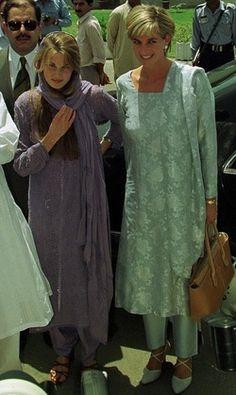princess diana in pakistan | Jemima pictured with Princess Diana in Pakistan in 1997