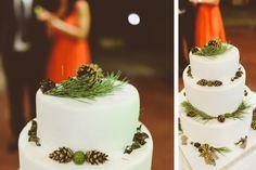 Fotograf Nunta Cluj   Ami si Alex Wedding Photography, Table Decorations, Ethnic Recipes, Beautiful, Wedding Photos, Wedding Pictures, Dinner Table Decorations
