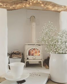 30 Best Wood Stove Decor Ideas For Your Living Room – Homely Cottage Living Rooms, Home And Living, Living Room Decor, Small Living, Wood Stove Decor, Muebles Shabby Chic, Deco Retro, Style Deco, Room Inspiration