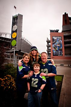 seattle seahawks win super bowl, time to celebrate with a portrait! www.hudsonportraits.com