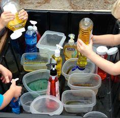 color mixing sensory table Preschool Colors, Preschool At Home, Preschool Lessons, Sensory Boxes, Sensory Table, Sensory Play, Eyfs Activities, Nursery Activities, Colour Mixing Eyfs