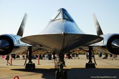 AMAZING MILITARY STEALTH TECHNOLOGY - SR-71 BLACKBIRD - NOSE ON CLOSE UP!
