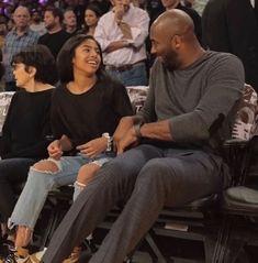 Kobe Bryant Family, Kobe Bryant Nba, Kobe Bryant Daughters, Lakers Kobe, Magic Johnson, Best Sister, Black Mamba, Los Angeles Lakers, Beautiful People