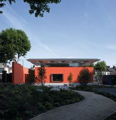 Maggie's Centre, a cancer care centre in London designed by architects Rogers Stirk Harbour + Partners - Project Architect - William Wimshurst Healthcare Architecture, School Architecture, Interior Architecture, Hospital Design, Tudor House, Stirling, Building Design, Centre, Health Care