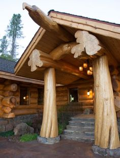 A magnificent entryway welcomes family and friends. Stunning log home around Lake Siskiyou in North Carolina.