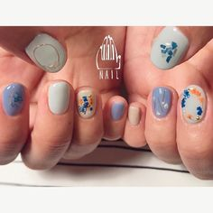 ⚪️▫🔵🔹🌿💠◻️◽ #nail#art#nailart#ネイル#ネイルアート #押し花ネイル#flower##blue#ショートネイル#cute#spring#nailsalon#ネイルサロン#表参道#押花111 #blue111#ssnail111 (111nail)