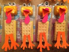 Cheese and crackers turkey snack. How cute for Thanksgiving!