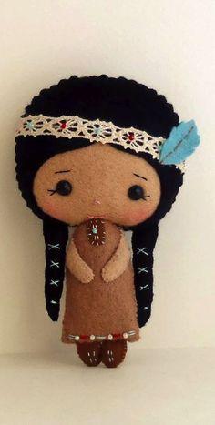 Native American Girl pdf Pattern, this is really cute Native American Girls, Native American Crafts, Felt Diy, Felt Crafts, Nativity Crafts, Felt Dolls, Sock Dolls, Felt Ornaments, Diy Doll
