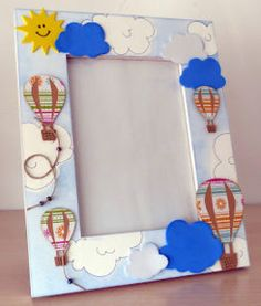 Ideas para hacer portarretratos Frame Crafts, Hot Air Balloon, Felt Crafts, Ideas Para, Envelope, Balloons, Clip Art, Baby Shower, Scrapbook