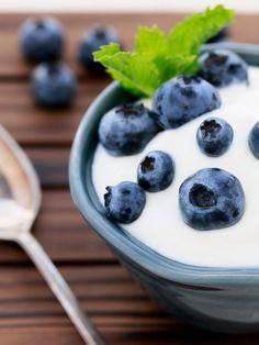 10 Foods That Protect Against Diabetes(LOWFAT GREEK YOGURT)