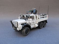 Lego army truck- Another to add to my collection cos I would like to have one. Lego Ww2, Lego Design, Lego Zombies, Lego Truck, Lego Pictures, Lego Boards, Lego Craft, Cool Lego Creations, Lego Group