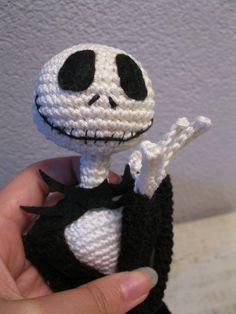 Jack Skellington crochet pattern 16 inch, ready for halloween and chrismas!