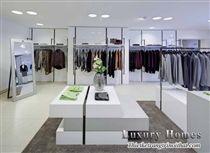 Thiết kế nội thất showroom thời trang Valentino