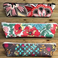 These are stunning triangle pencil cases! FREE Tutorial on lorelei jayne @Regranned from @3jboysmama - Popped out a few more #trianglezipperpouch pretties today!! I love seeing what people are using these for and how perfect they fit into bags!! Working