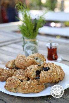 Bitta – Zeytinli Hellim Peynirli Kıbrıs Ekmeği – Mutfak Sırları – Pratik Yemek Tarifleri