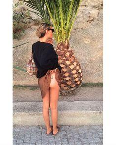 Camille rowe, pinapple tattoo. Instagram: @sandyganzer