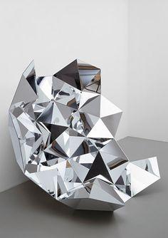 Dieter Detzner. Robert (acrylglas; 160 x 160 x 90cm, unique). 2006.