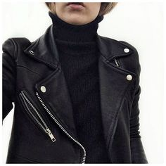 """Entre le manteau et le pull : THE veste @heimstone ❤️ • Bandana #levis (from @levis_fr) • Jacket #heimstone (from @heimstone) • Knit #junebrussels (from…"""