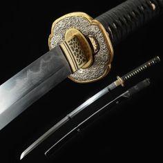 Japanese Blades, Japanese Sword, Swords And Daggers, Knives And Swords, Real Samurai, Samurai Swords Katana, Cool Swords, Japanese Warrior, Combat Knives