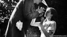 Angelica Garnett, daughter of Vanessa Bell, niece of Virginia Woolf, died on 4 May 2012 Virginia Woolf, Angelica Bell, Paris Montparnasse, Leonard Woolf, Portraits Victoriens, Duncan Grant, Vanessa Bell, Bloomsbury Group, Clive Bell