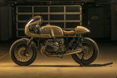 Technische Daten :  Basis: BMW R100 RS Motor: Original 70 PS/ 7250 1/min. 76 NM bei 5500 1/min. Getriebe: 5...