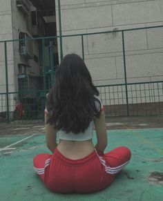 ☼ Pinterest policies respected. Skinny Girl Body, Skinny Girls, Lässigen Jeans, Ulzzang Korean Girl, Fitness Motivation Pictures, Uzzlang Girl, Sporty Girls, Cute Girl Photo, Fashion Poses