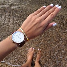 White nails at the beach
