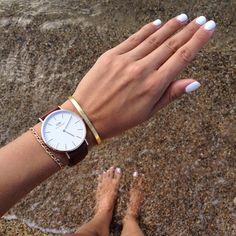 White nails at the beach