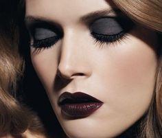 Maquillage noir Chanel