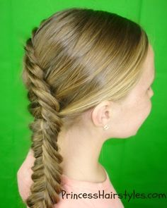 Reverse french fishtail braid tutorial omg I didn't know this was possible Fishtail Hairstyles, Braided Hairstyles For Wedding, Girl Hairstyles, Fishtail Braids, Rope Braid, Hairstyle Wedding, School Hairstyles, Plaits, Braided Updo