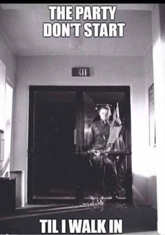 The party dont start till I walk in -Michael Myers Funny Halloween Memes, Halloween Ii, Halloween Movies, Halloween Horror, Halloween Quotes, Horror Movies Funny, Horror Movie Characters, Scary Movies, Scary Movie Memes