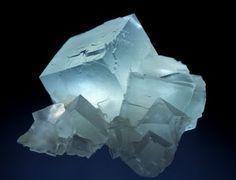 iridescenza della fluorite - http://amicicristalli.altervista.org/struttura-cristallina/