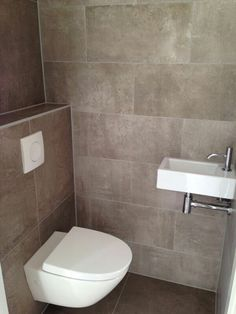 Floating Toilet, Small Toilet Room, Bathroom Goals, Beautiful Bathrooms, Bathroom Interior, Powder Room, Master Bath, Shower, House