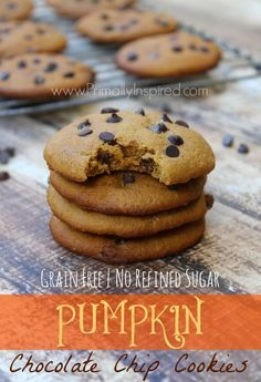Pumpkin Chocolate Chip Cookies from Primally Inspired (Grain Free and Paleo) (Low Carb Cookies Pumpkin) Gluten Free Treats, Gluten Free Desserts, Vegan Treats, Muffins, Paleo Dessert, Healthy Sweets, Real Food Recipes, Yummy Food, Paleo Recipes