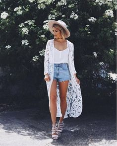 crushing on @joandkemp wearing our Sugar Coated lace kimono ✨ tap the link in our bio to steal her look. #lovelulus