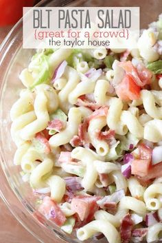 Pasta Salad (Perfect for a Crowd) Delicious and Easy to make BLT Pasta Salad that's perfect for a crowd!Delicious and Easy to make BLT Pasta Salad that's perfect for a crowd! Potluck Recipes, Side Dish Recipes, Summer Recipes, Pasta Recipes, Salad Recipes, Cooking Recipes, Crowd Recipes, Potluck Dishes, Bacon Recipes