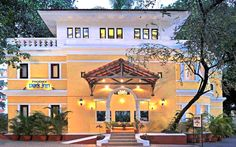 The Phoenix Park Inn Resort in #Candolim, #Goa, a beautiful tropical retreat within walking distance of the world's most popular beaches. It #offers modern conveniences such as Wireless High-speed Internet and a well-equipped fitness centre, as well as an elegant meeting space for up to 150. #goanhotels #besthotels #fun #hotelsandresorts