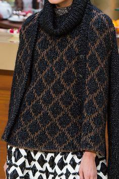 d223058ee464 Вязание спицами свитера, жакеты, пальто, кардиганы, джемпера, платья костюмы  · Chanel - Fall 2015 Ready-to-Wear Связанная Крючком Туника, Шанель 2015,