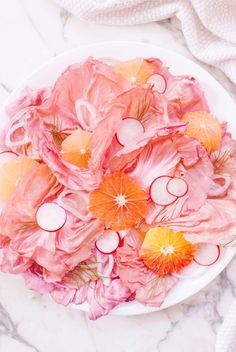 Pink radicchio makes for the most beautiful and simple radicchio salad recipe! Piecing together other blush colored and pink toned ingredients like radish, shallot, grapefruit, and blood orange make the ultimate millennial pink salad! Salads Up, Easy Salads, Inspiration Photography, Food Photography, Summer Recipes, Fall Recipes, Pink Foods, Food Trends, How To Cook Quinoa
