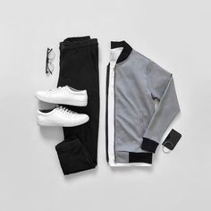 Jackets are a crucial component to each and every man's set of clothes. Men have to have jackets for a number of situations as well as some climate conditions Stylish Mens Outfits, Casual Outfits, Stylish Clothes, Smart Casual, Men Casual, Revival Clothing, Moda Blog, Outfit Grid, Men's Wardrobe