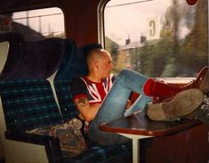 Union Jack T Shirts - An Skinhead Staple Skinhead Men, Skinhead Boots, Skinhead Fashion, Punk Fashion, Skinhead Style, Dr. Martens, Greatest Album Covers, Skin Head, Dead Ends