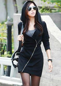 Woman Black Cotton Hooded Long Sweatshirt