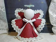 Christmas Angel Ornaments, Handmade Christmas Tree, Christmas Fun, Christmas Decorations, Quilled Roses, Paper Angel, Diy And Crafts, Paper Crafts, Handmade Angels