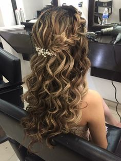 50 Long Wedding Hairstyles and Updos Ideas for You Hair Dos For Wedding, Elegant Wedding Hair, Wedding Hair And Makeup, Bridal Hair, Curled Wedding Hair, Wedding Curls, Wedding Bride, Summer Wedding, Quince Hairstyles