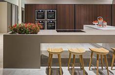 Cozinhas modernas planejadas, veja 11 modelos que são tendência.  www.ehdecor.com.br    #cozinha #kitchen #decor #cozinhas #planejados #marcenaria