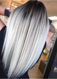 Golden Blonde Balayage for Straight Hair - Honey Blonde Hair Inspiration - The Trending Hairstyle Silver Blonde, Platinum Blonde Hair, Silver Hair, Icy Blonde, Blonde Hair With Brown Roots, Dark Roots Blonde Hair Balayage, Brown Hair, Ice Blonde Hair, Blonde Honey