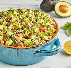 Avocado (Tomato Basil) Pasta Salad with Pesto Avocado Dressing Salad Recipes Healthy Lunch, Avocado Recipes, Healthy Salad Recipes, Pasta Recipes, Healthy Meals, Tomato Basil Pasta, Pesto Pasta Salad, Avocado Pasta, Avocado Salads