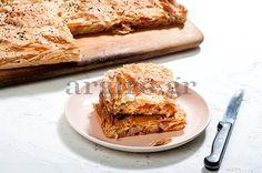 Ζαμπονοκασεροπιτα Αργυρως με Ντοματα κ Πιπεριες!!! Food Categories, Greek Recipes, Apple Pie, French Toast, Sandwiches, Recipies, Meals, Cooking, Breakfast